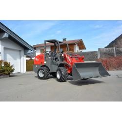 Hoflader FT-910